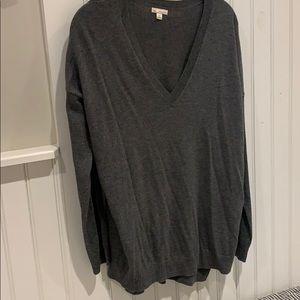 Gap woman's gray V neck sweater